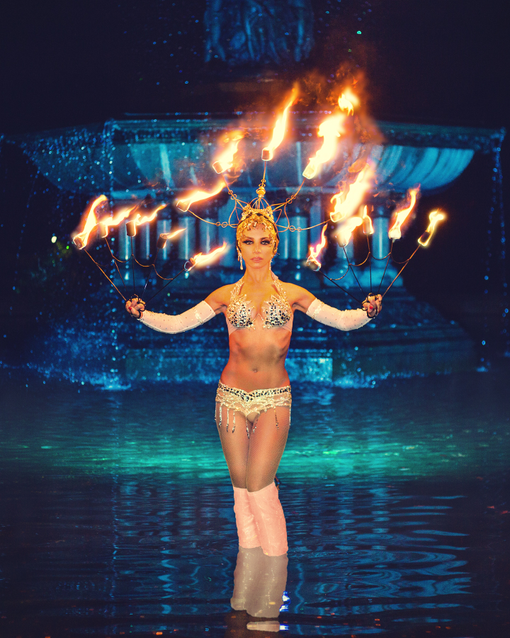 fire-show-performer-dancer